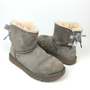 UGG DIXI FLORA PERF SHORT LACE BACK BOOTS SIZE 7